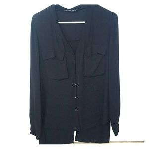 Button down blouse w/ front pockets and open back